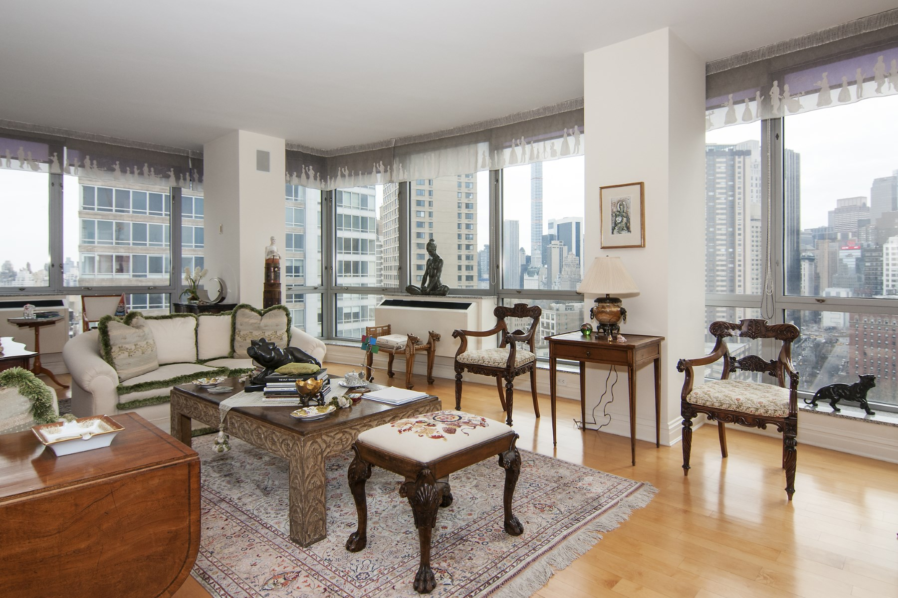 Condominio por un Venta en 1965 Broadway, 22AB 1965 Broadway Apt 22ab Upper West Side, New York, Nueva York 10023 Estados Unidos