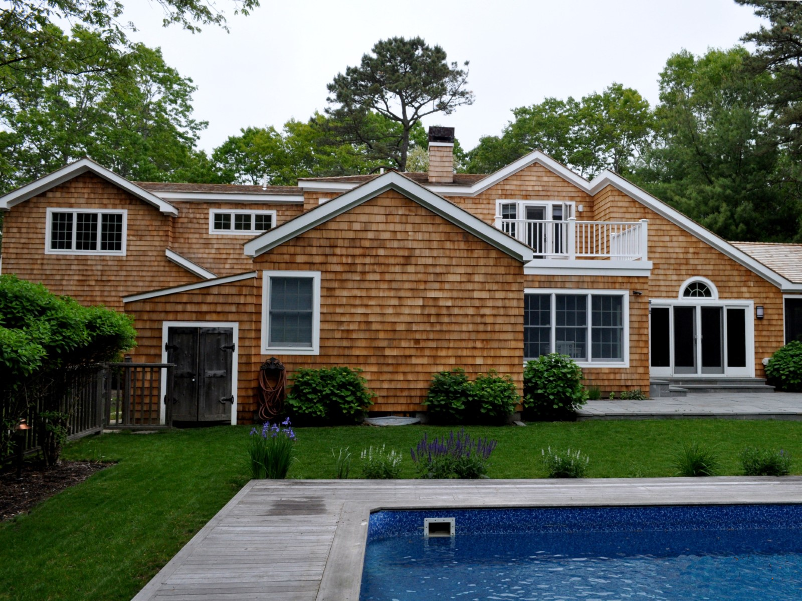 Single Family Home for Rent at RENOVATED EAST HAMPTON HOME WITH POOL 16 Cedar Trail East Hampton, New York 11937 United States