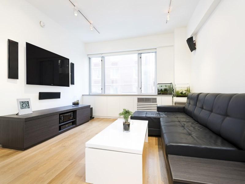Condominio per Vendita alle ore 211 East 51st Street, 3C 211 East 51st Street Apt 3c New York, New York 10022 Stati Uniti