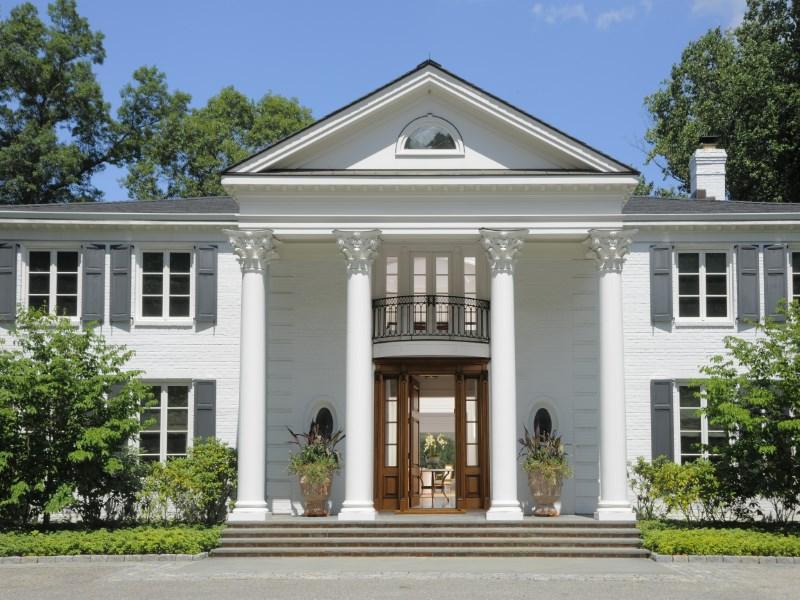 Einfamilienhaus für Verkauf beim Lakefront Estate with Amenities 7 Wyckham Hill Lane Mid-Country, Greenwich, Connecticut 06831 Vereinigte Staaten
