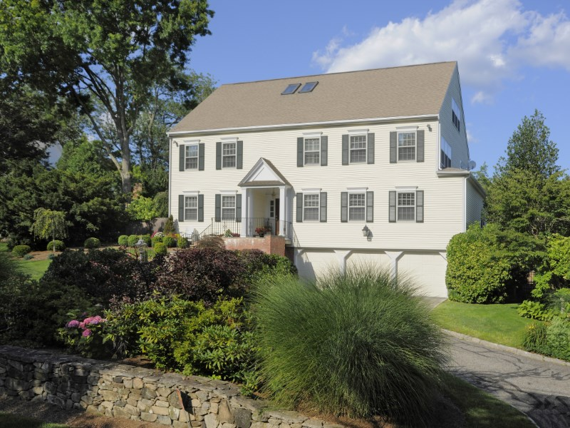 Single Family Home for Sale at Gracious and Welcoming 9 Palmer Lane Riverside, Connecticut 06878 United States