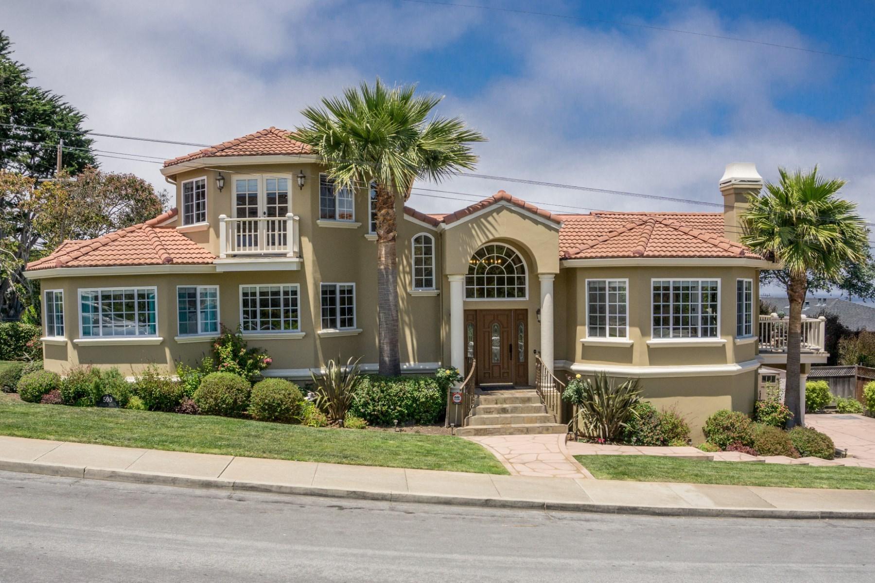 Moradia para Venda às Big Bay Views from Big Spacious Home 500 Spencer Street Monterey, Califórnia 93940 Estados Unidos