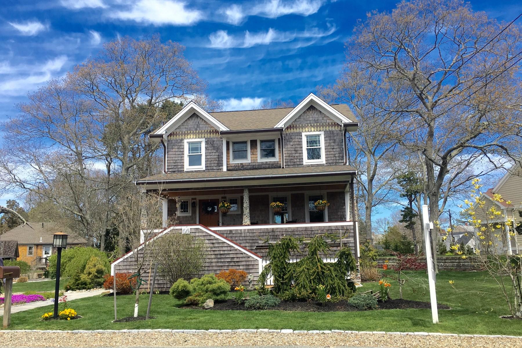 Maison unifamiliale pour l Vente à Wenaumet Bluffs Shingle Style Home 66 Wings Neck Road Pocasset, Massachusetts, 02559 États-Unis