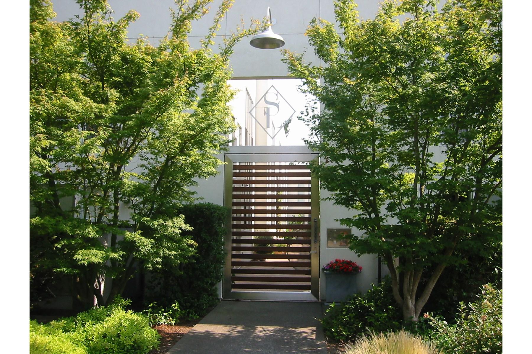 タウンハウス のために 売買 アット Loft Living in Sonoma Sonoma, カリフォルニア 95476 アメリカ合衆国