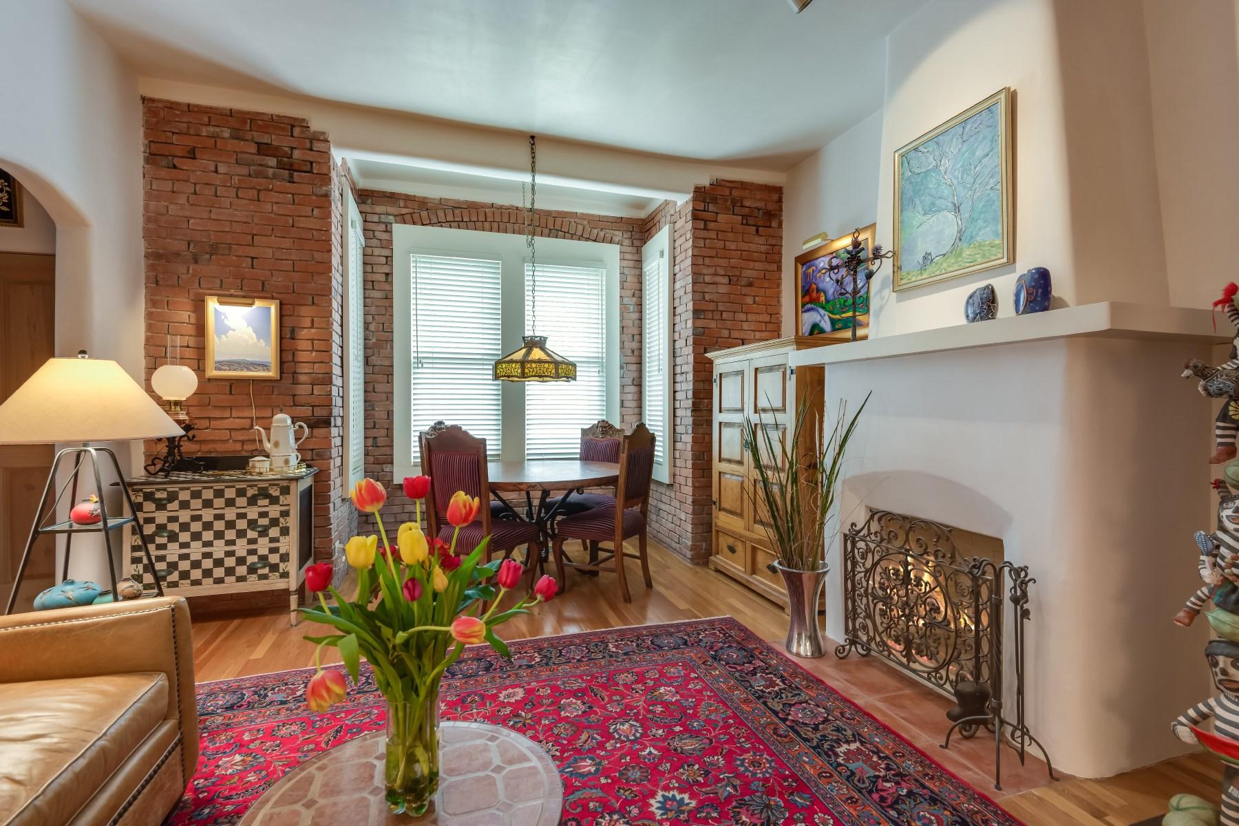 Appartement en copropriété pour l Vente à 629 E. Palace Avenue Santa Fe, New Mexico, 87501 États-Unis