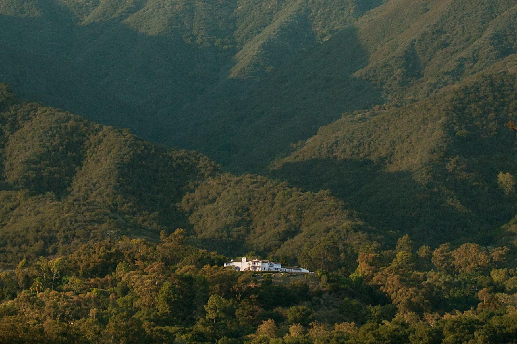 단독 가정 주택 용 매매 에 A Unique Promontory Ocean View Estate Montecito - Upper Village, Montecito, 캘리포니아 93108 미국
