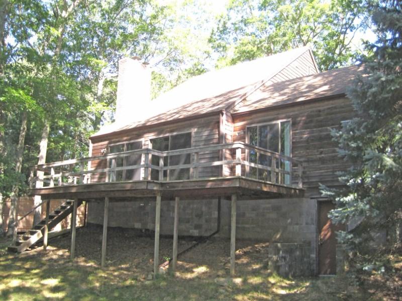 Einfamilienhaus für Verkauf beim Best Value in Northwest Woods East Hampton, New York 11937 Vereinigte Staaten