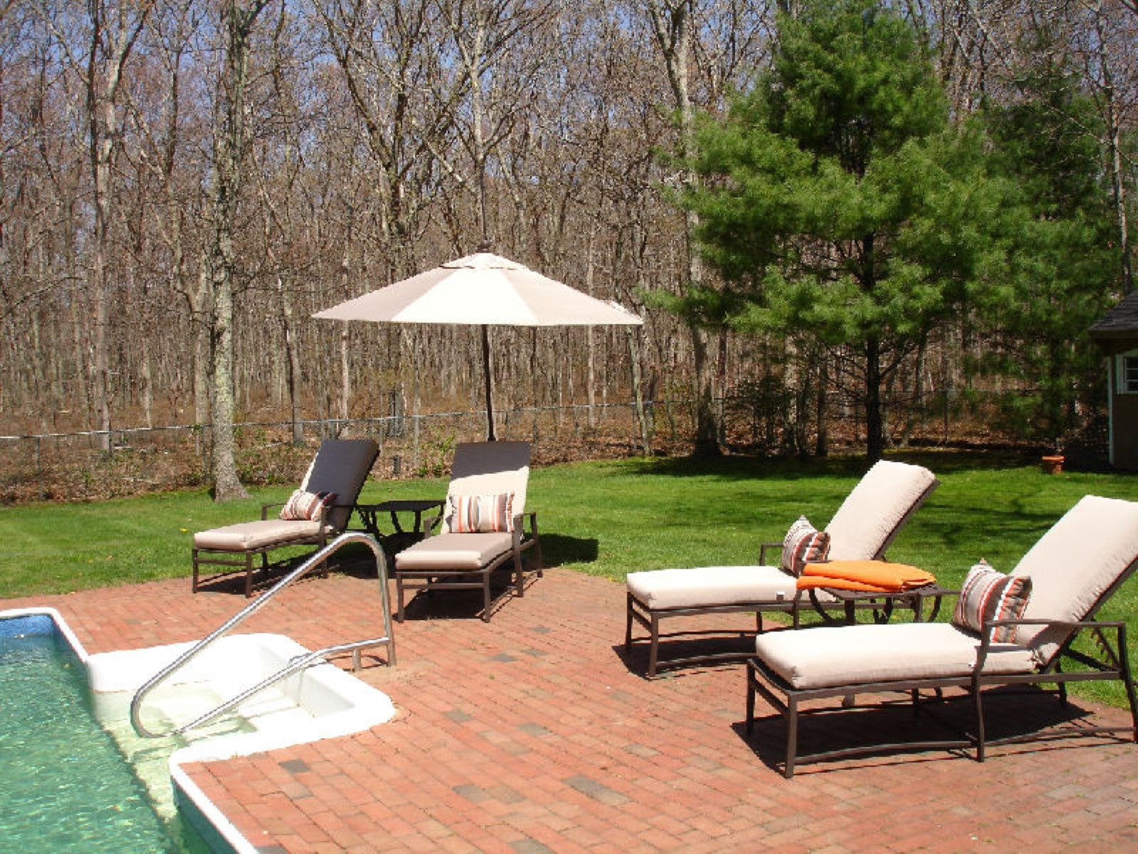 Additional photo for property listing at Sagaponack with Pool and Privacy  Sagaponack, New York 11962 United States