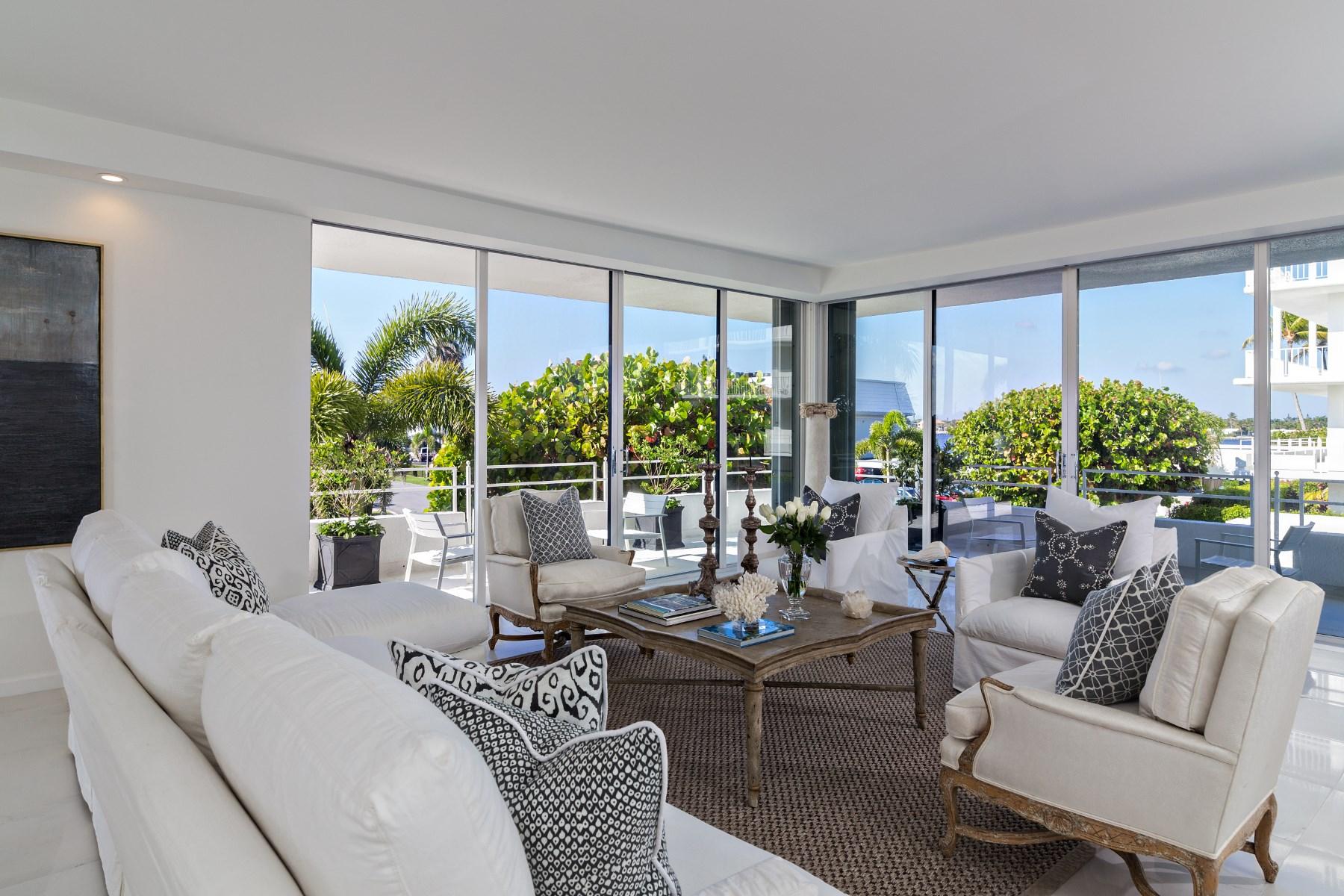 Appartement en copropriété pour l Vente à Palm Beach Chic - Ibis Isle 2155 Ibis Isle Rd Apt 5 Palm Beach, Florida 33480 États-Unis
