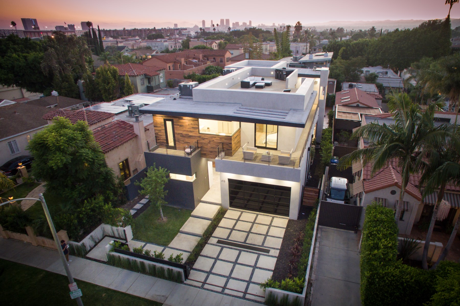 Vivienda unifamiliar por un Venta en Architectural Masterpiece 415 N Martel Ave Hollywood, Los Angeles, California, 90036 Estados Unidos