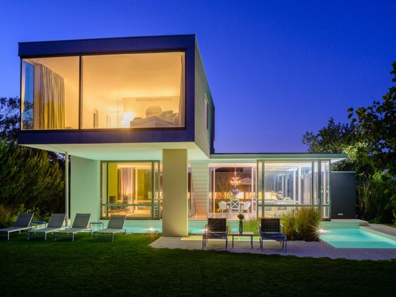 Casa para uma família para Venda às Art and Surf 88 Surfside Ave Montauk, Nova York 11954 Estados Unidos