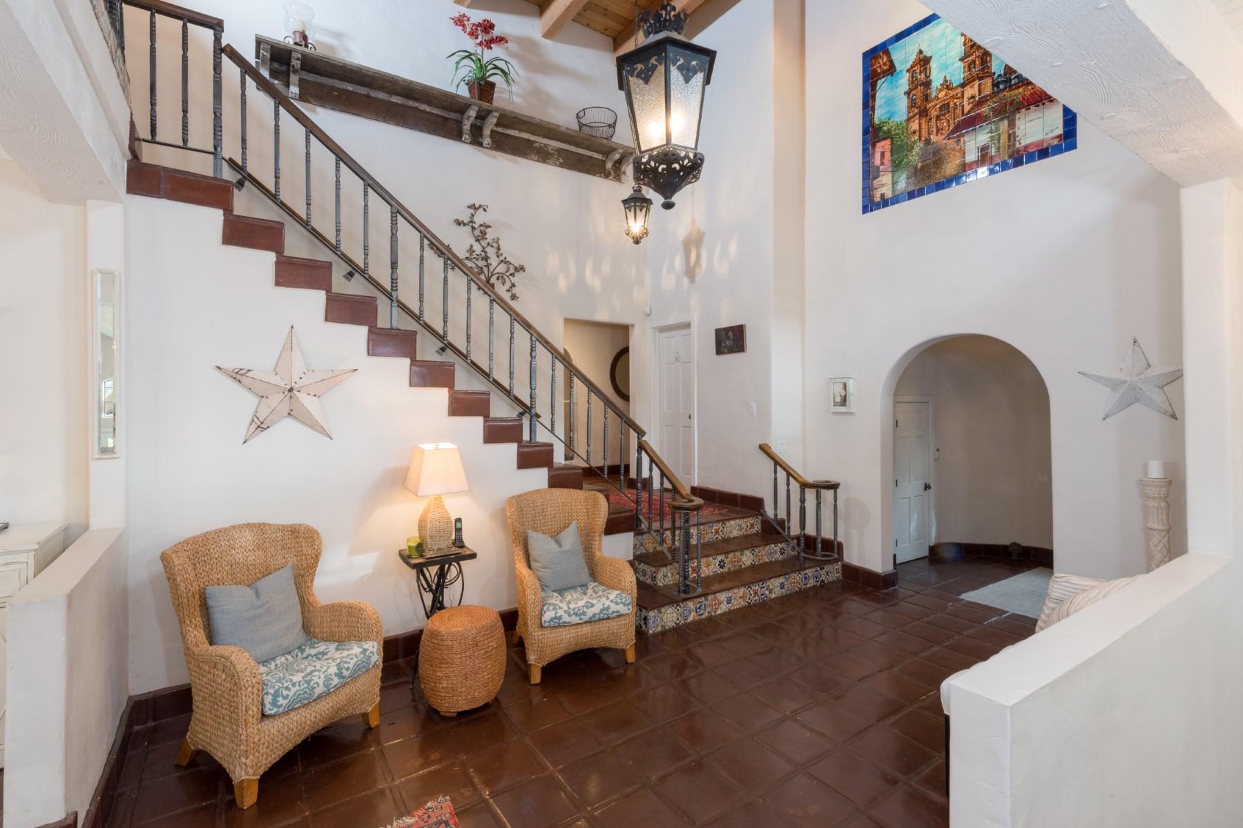 Maison unifamiliale pour l Location à Exclusive Malibu Spanish Retreat 6100 Via Escondido Drive Malibu, Californie 90265 États-Unis