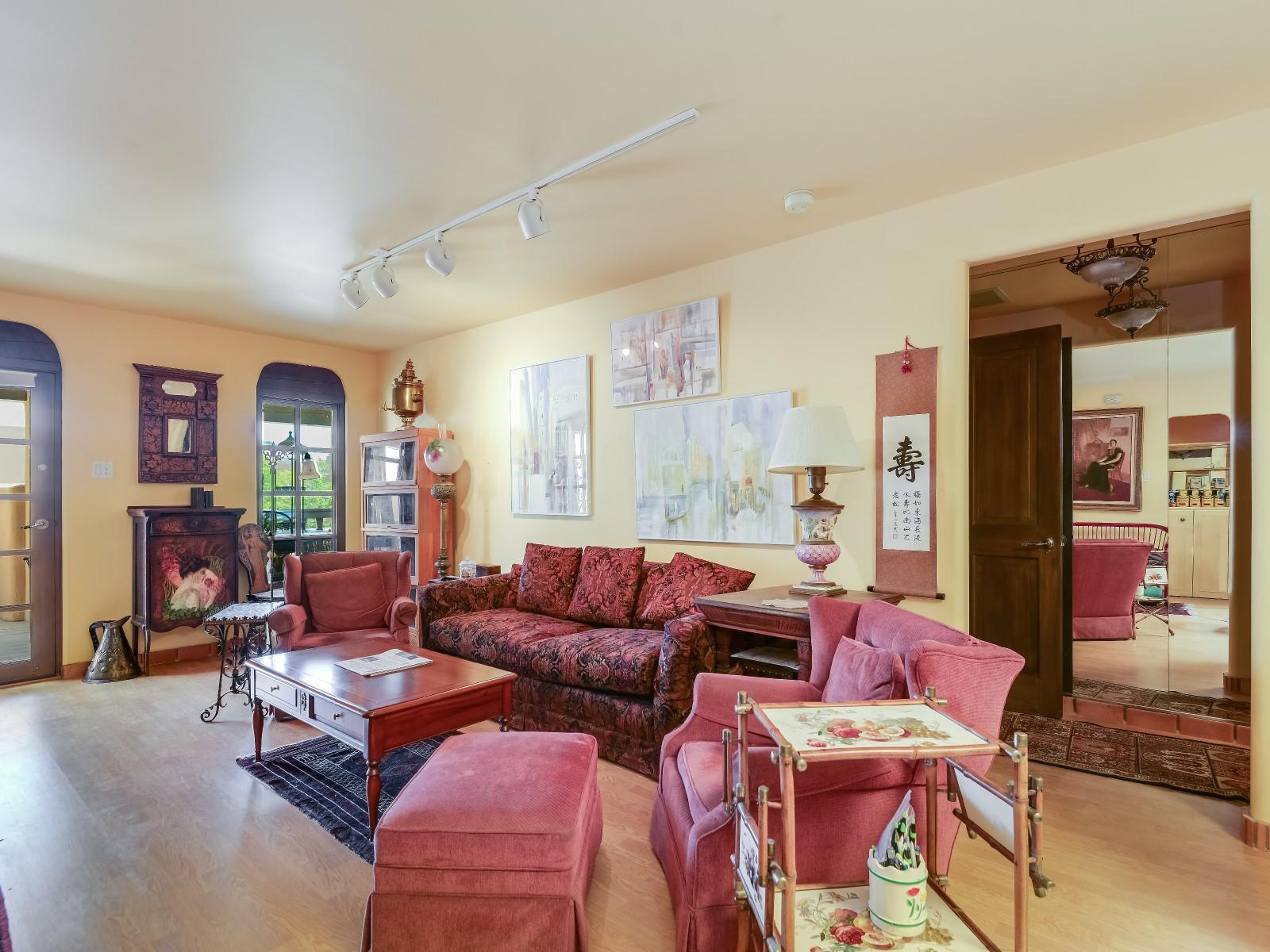 Appartement en copropriété pour l Vente à 3101 Old Pecos Trail # 304 3101 Old Pecos Trl Unit 304 Santa Fe, New Mexico 87505 États-Unis