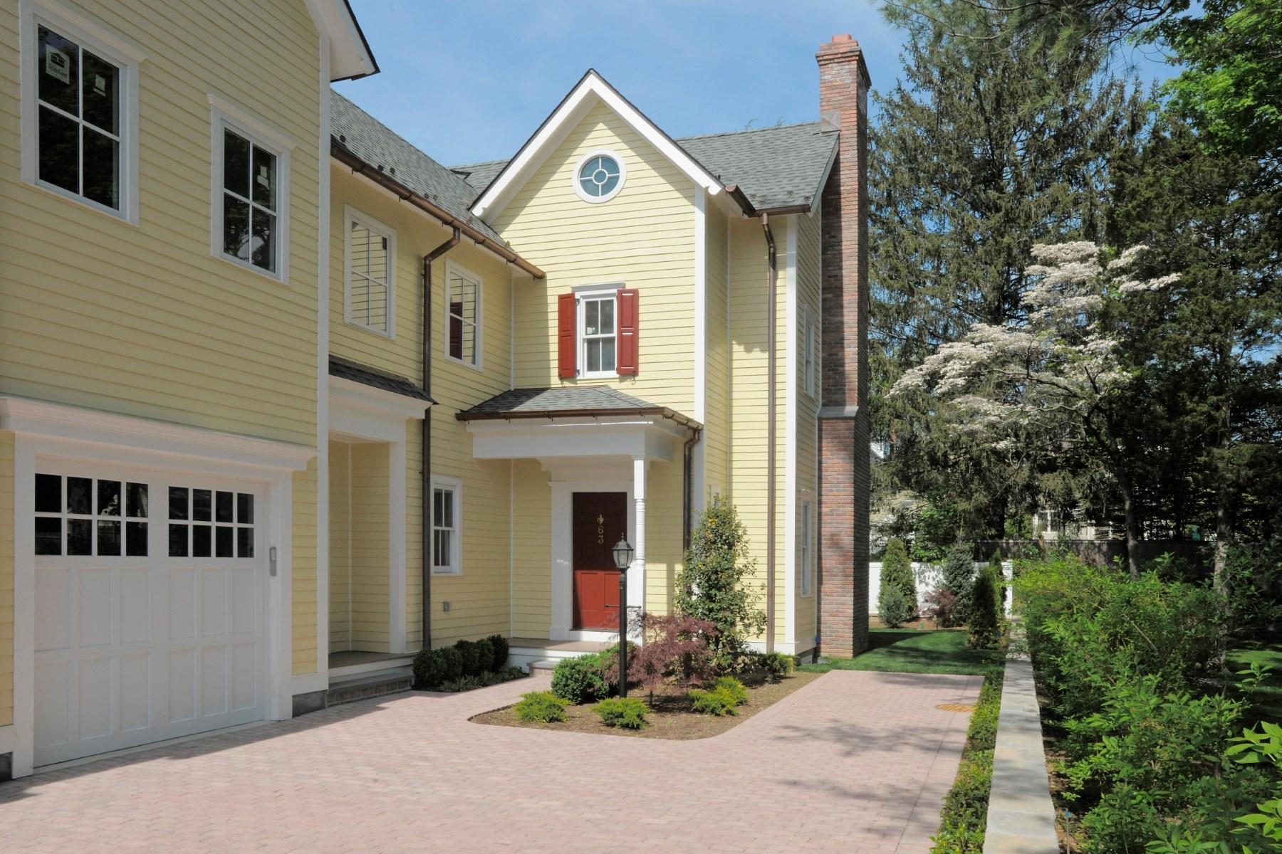 Condomínio para Venda às 63 Sherwood Place, Greenwich CT South Of Parkway, Greenwich, Connecticut, 06830 Estados Unidos
