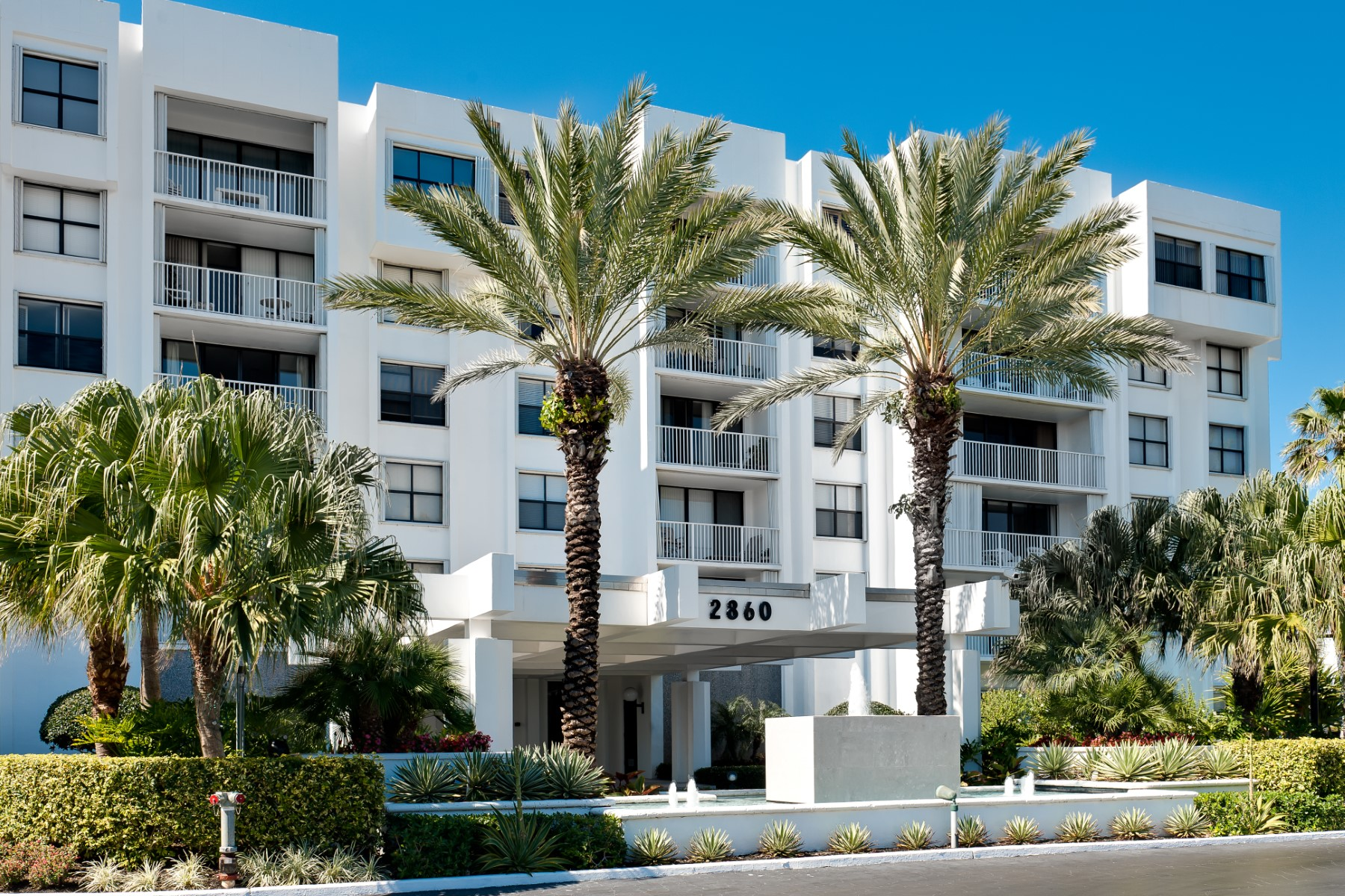 Eigentumswohnung für Verkauf beim Palm Beach Pied a Terre at La Palma 2860 S Ocean Blvd Apt 516 Palm Beach, Florida 33480 Vereinigte Staaten