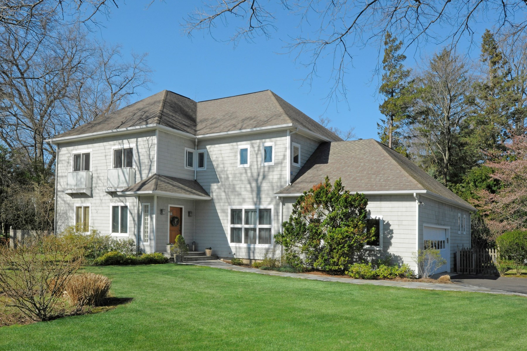 Single Family Home for Sale at In-Town Greenwich Cul de Sac Central Greenwich, Greenwich, Connecticut, 06830 United States