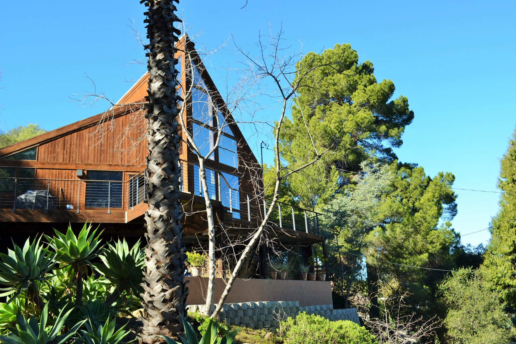 Nhà ở một gia đình vì Bán tại Beautiful Topanga Architectural Home 19920 Summit Drive Topanga, California 90290 Hoa Kỳ
