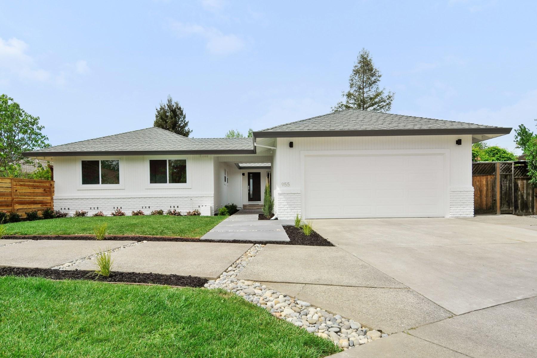 Casa para uma família para Venda às Single Story Sonoma Home 955 Lori Ct Sonoma, Califórnia, 95476 Estados Unidos