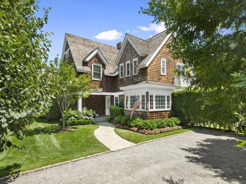 단독 가정 주택 용 매매 에 Immaculate Bridgehampton Village Bridgehampton, 뉴욕 11932 미국