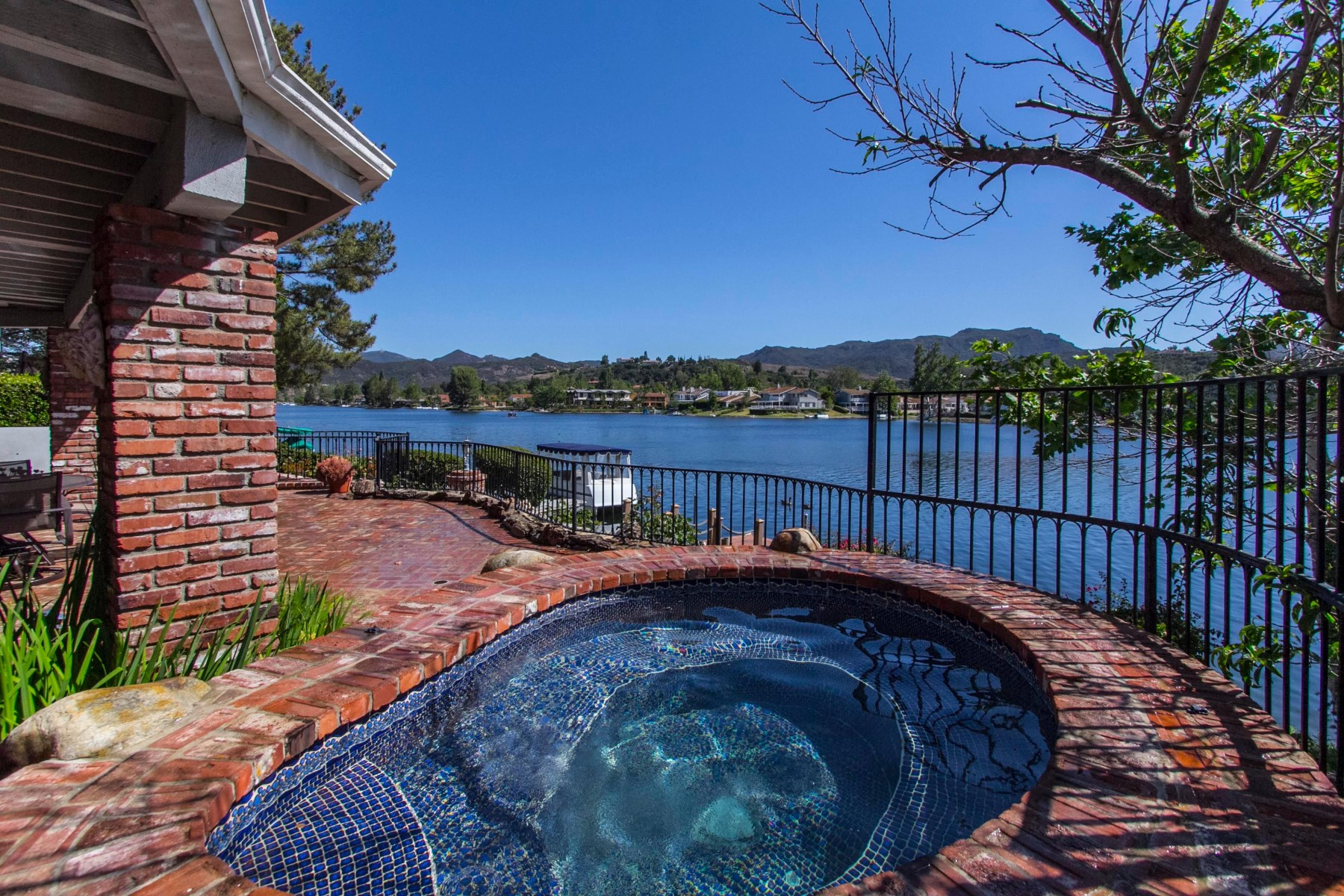 Single Family Home for Sale at Gated Westlake Island 2538 Oakshore Drive Westlake Village, California, 91361 United States