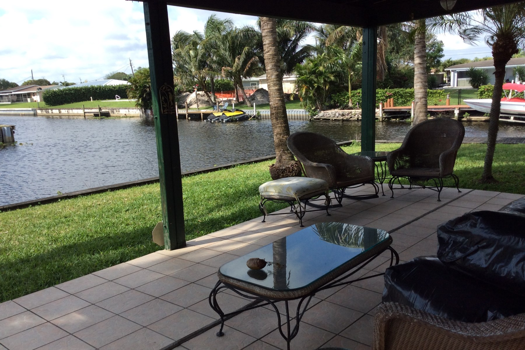 Single Family Home for Sale at Great Waterfront Home on a Wide Canal 2098 Palmetto Rd West Palm Beach, Florida, 33406 United States