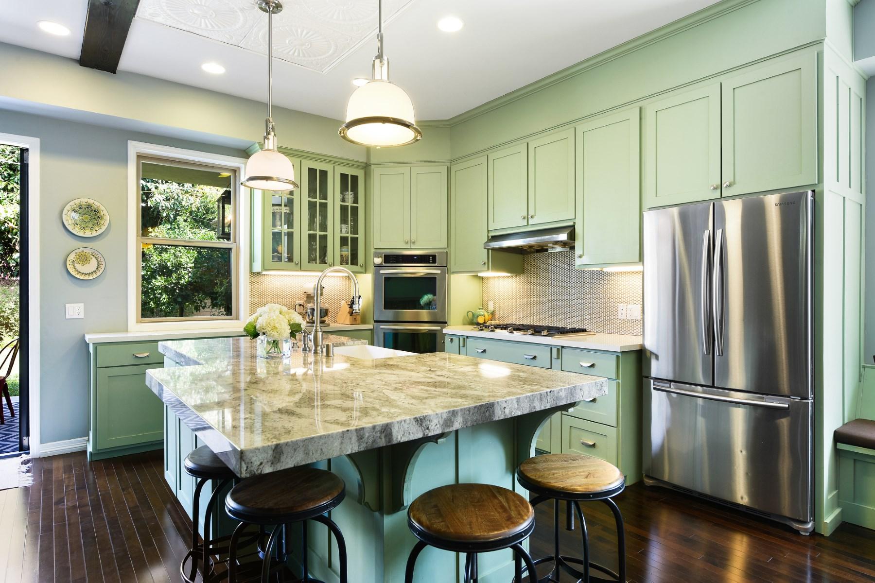 단독 가정 주택 용 매매 에 Redesigned Rancho Park Home 2634 Greenfield Avenue Rancho Park, Los Angeles, 캘리포니아, 90064 미국