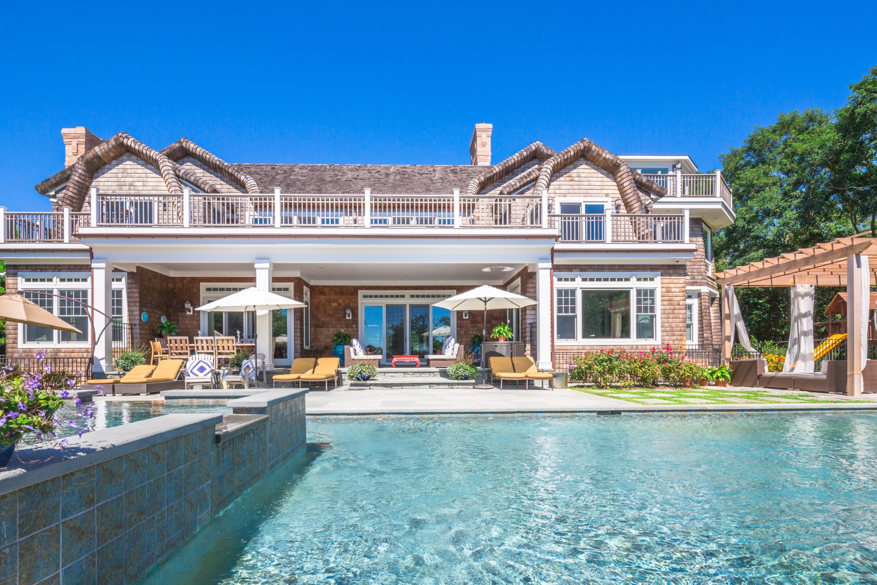 Moradia para Venda às Extraordinary Waterfront Estate 21 Kellis Way Bridgehampton, Nova York, 11932 Estados Unidos