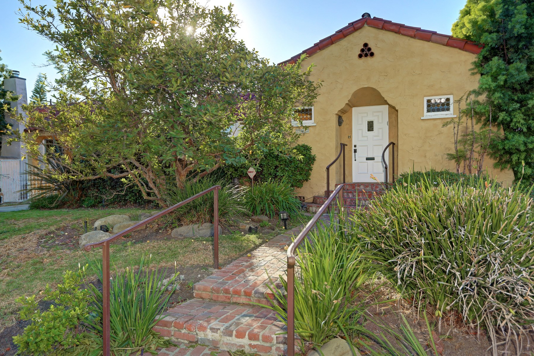 Single Family Home for Sale at 241 South Wetherly Drive Beverly Hills, California 90211 United States