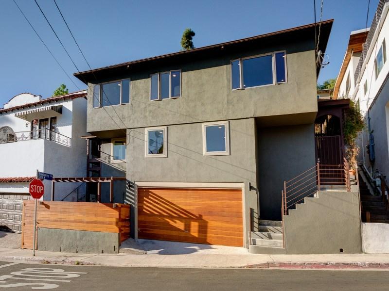 Maison unifamiliale pour l Vente à 1601 Redesdale Avenue Silver Lake, Los Angeles, Californie 90026 États-Unis