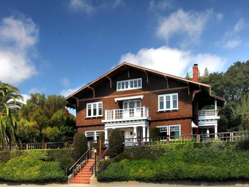 Maison unifamiliale pour l Vente à Julia Morgan Original 728 Capitol St Vallejo, Californie 94590 États-Unis