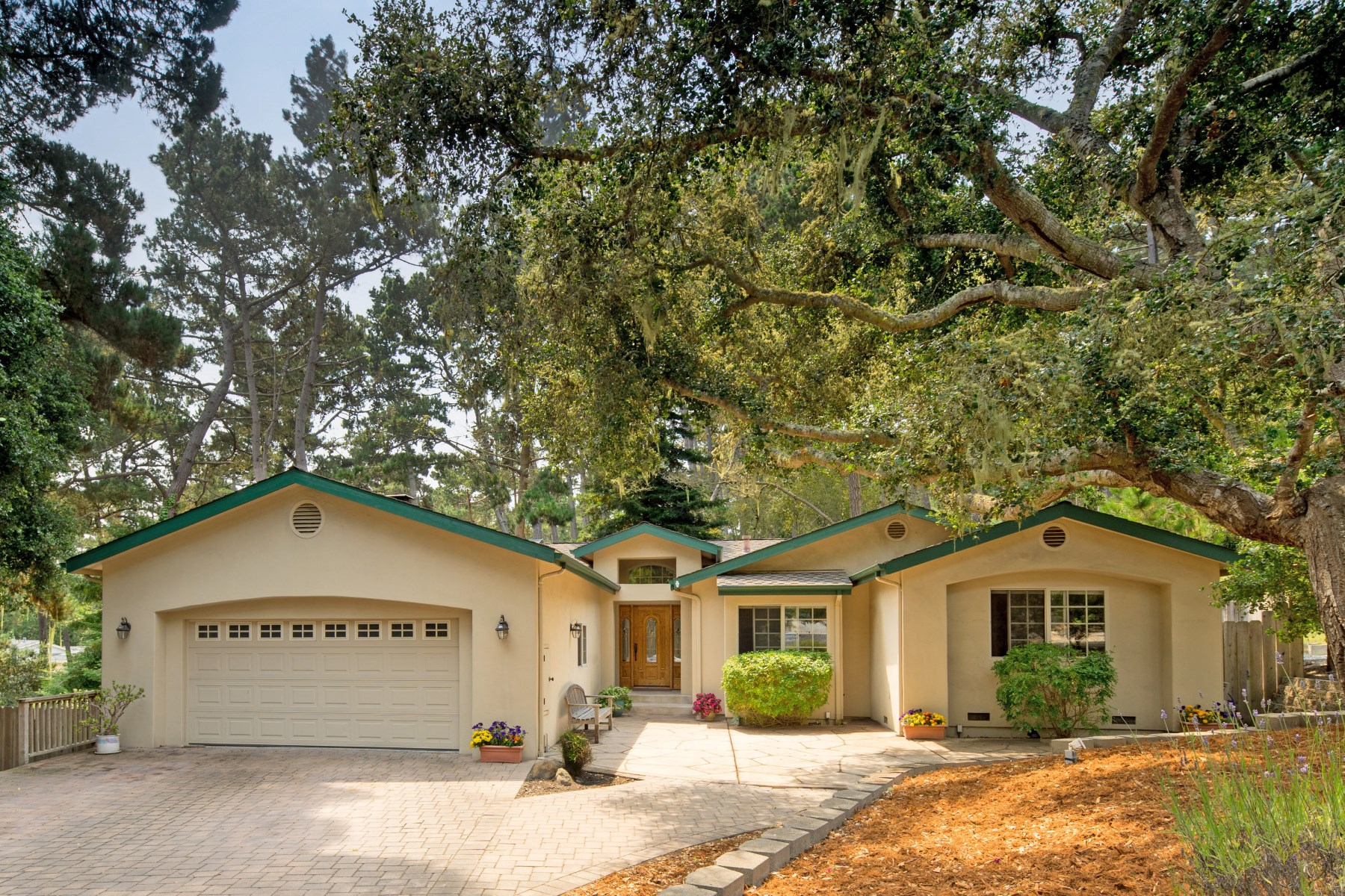 Single Family Home for Sale at Monterey Single Level Elegance 9 Wyndemere Vale Monterey, California, 93940 United States
