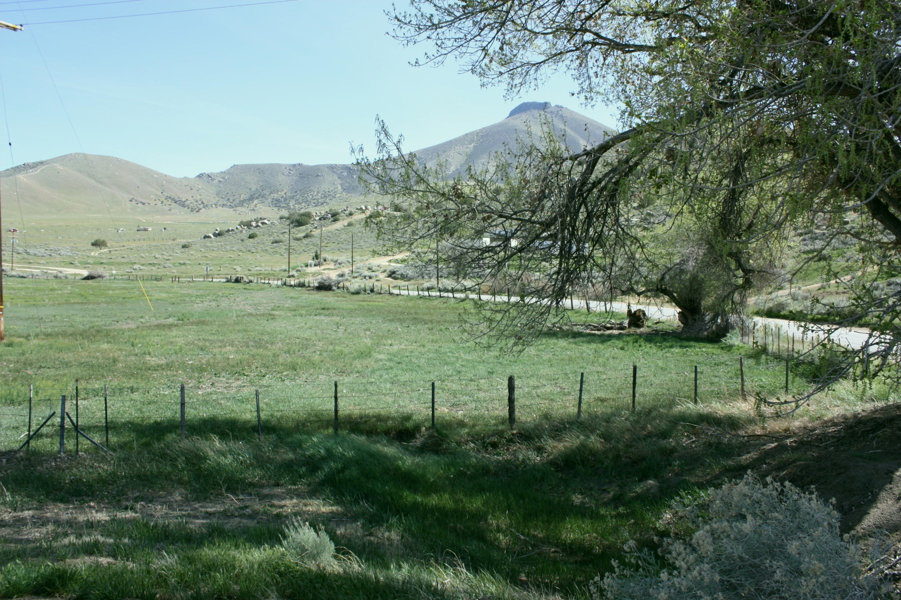 Land for Sale at 3.19 Acres to 'Live The Dream' 426-033-05 Weldon, California, 00000 United States