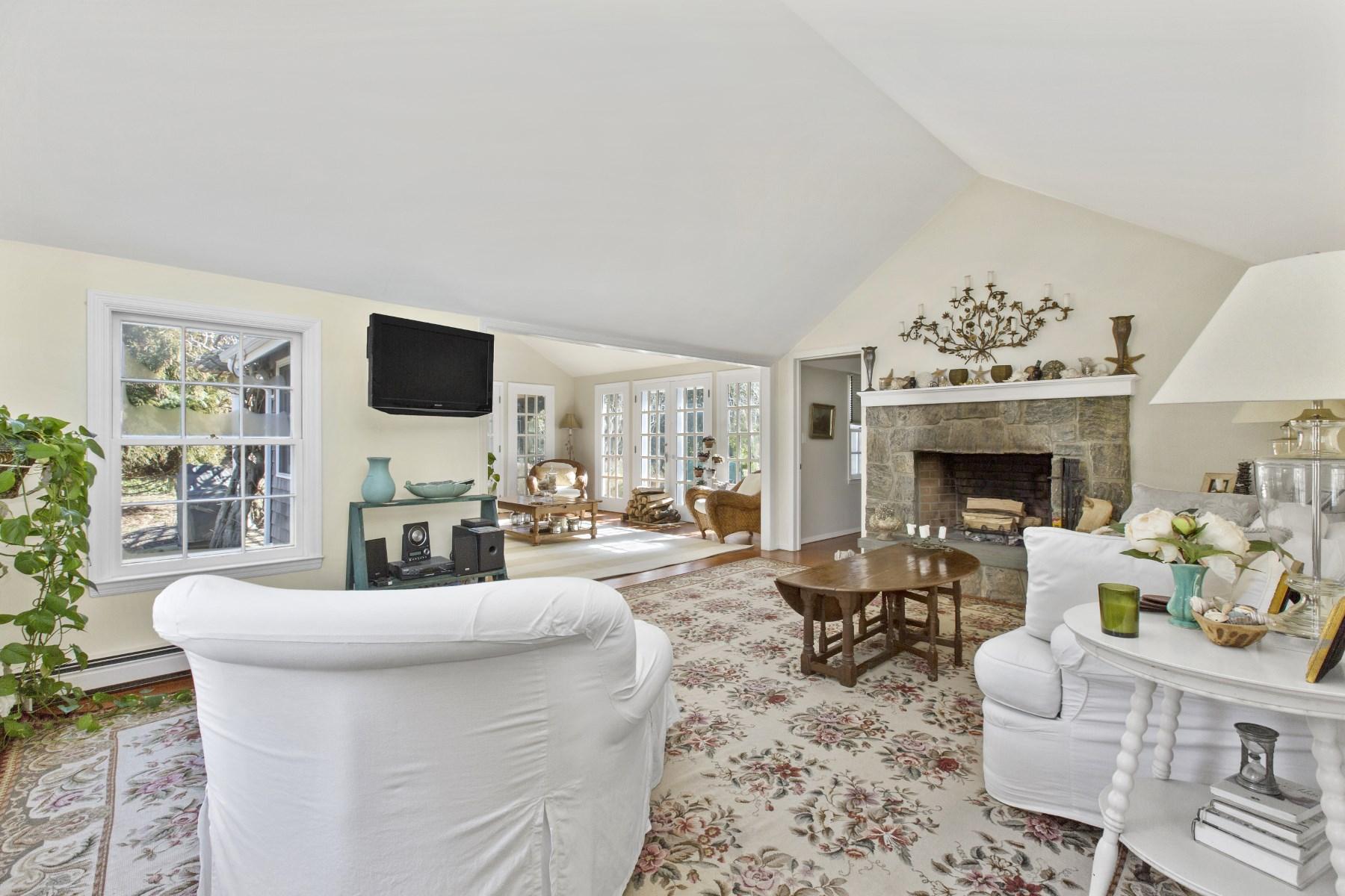 Частный односемейный дом для того Аренда на Birdgehampton North Close To Village Bridgehampton, Нью-Йорк, 11932 Соединенные Штаты