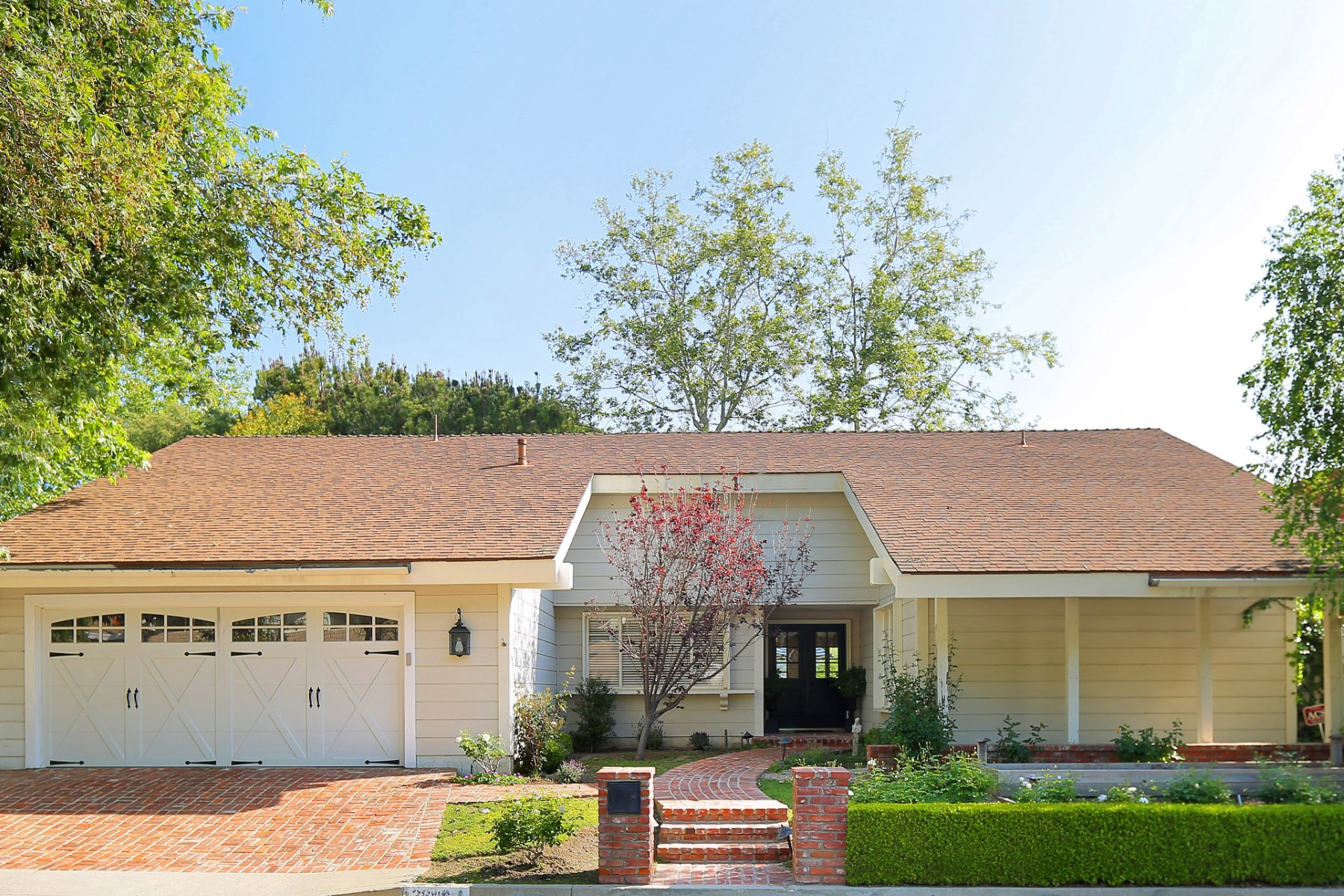 Single Family Home for Sale at Quintessential Ranch Home 2316 Banyan Drive Brentwood, Los Angeles, California, 90049 United States