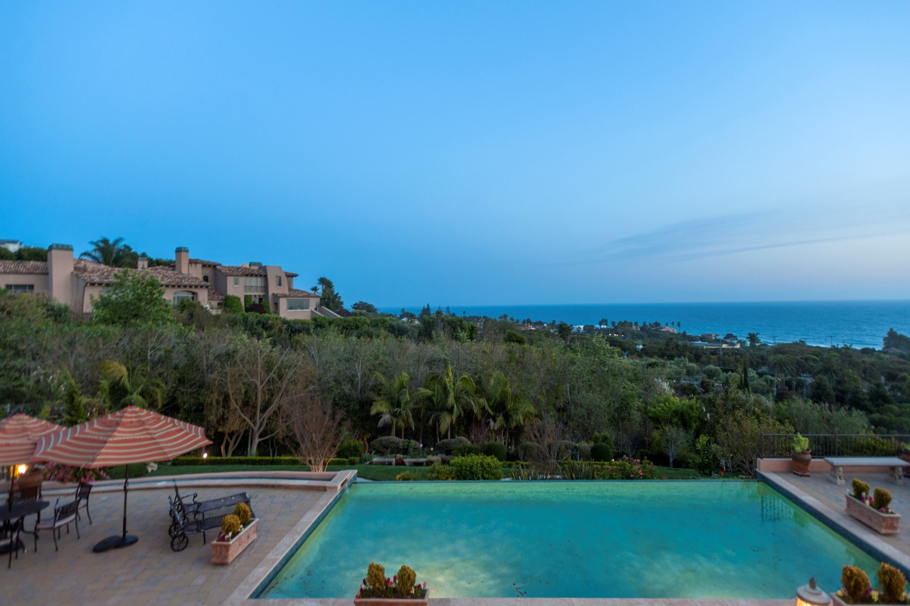 Single Family Home for Sale at Malibu's Tuscan Treasure 6322 Sea Star Drive Malibu, California 90265 United States