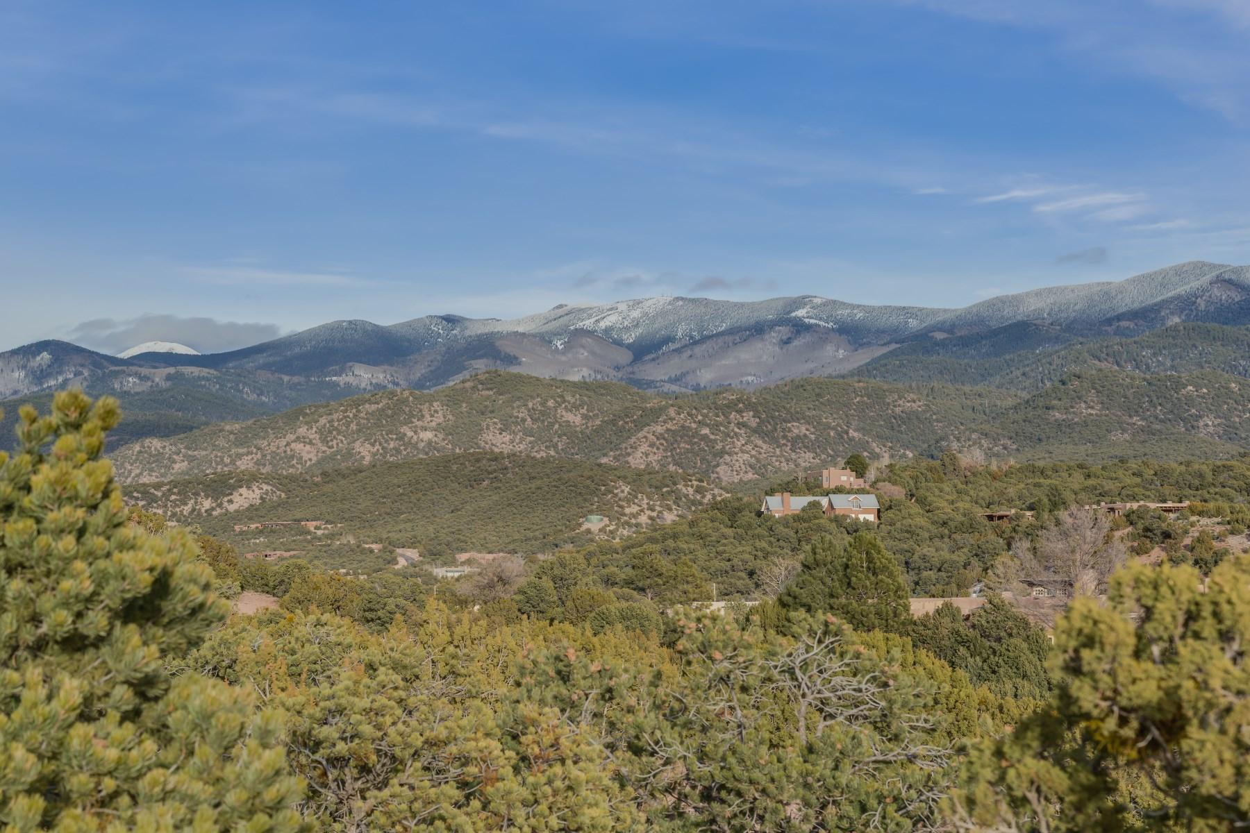 土地 为 销售 在 127 Circle Drive 圣达非, 新墨西哥州, 87501 美国
