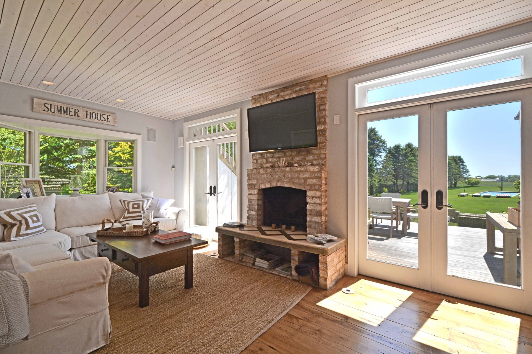 Additional photo for property listing at South of the Highway Wainscott Compound  Wainscott, New York 11975 United States