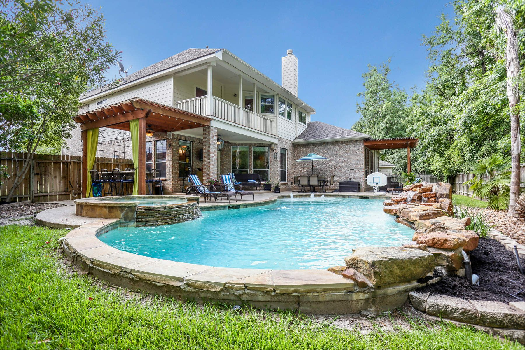 Single Family Home for Sale at 27 Brywood Place 27 Brywood Place Spring, Texas 77382 United States
