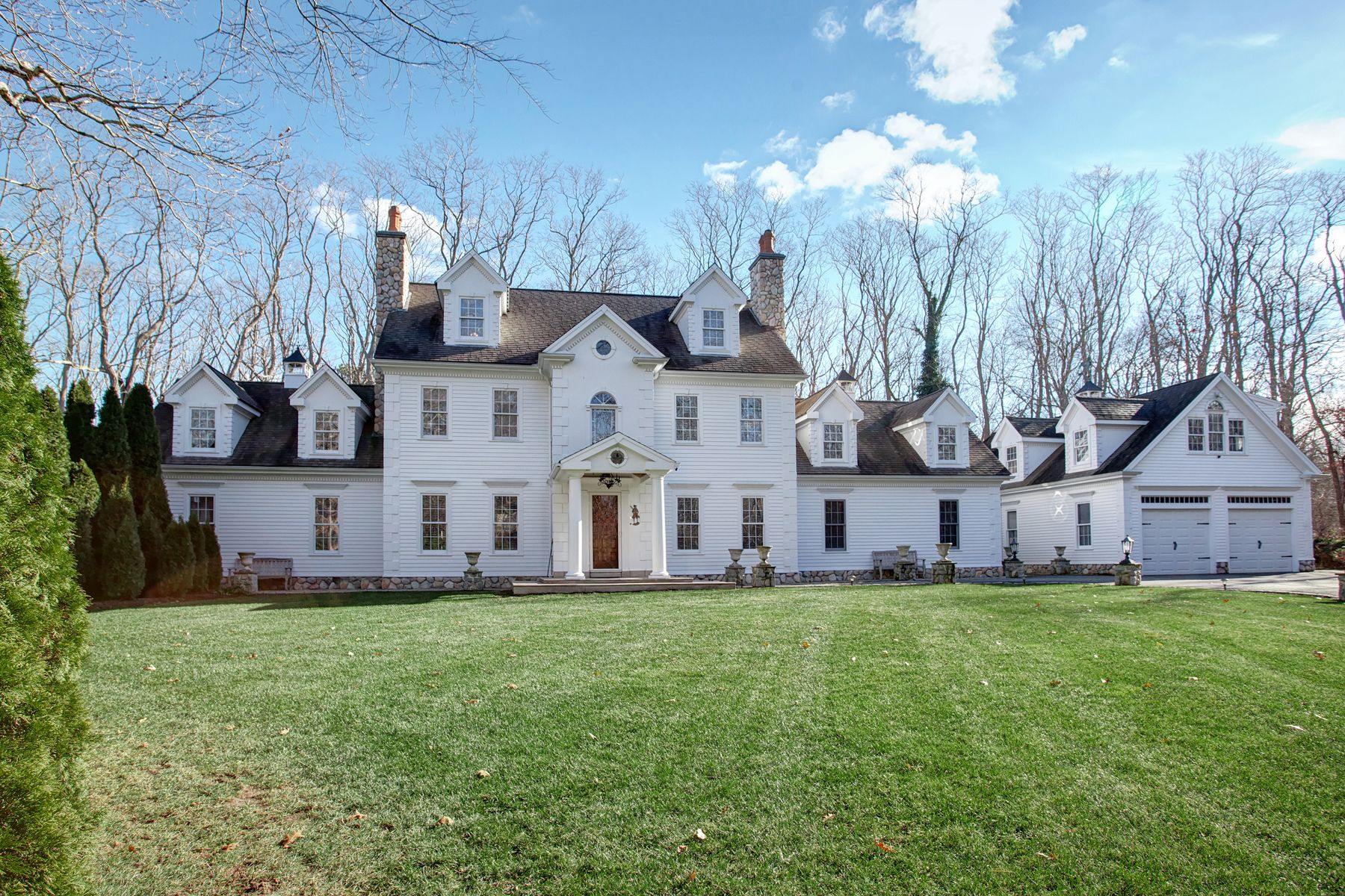 Single Family Home for Active at East Sandwich Estate 402 Quaker Meetinghouse Road East Sandwich, Massachusetts 02537 United States