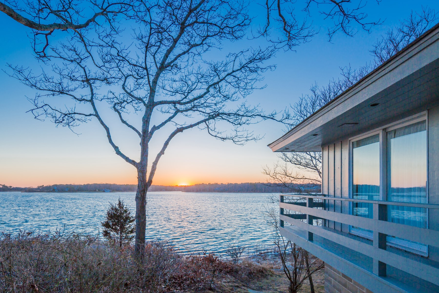 Single Family Home for Sale at Georgica Pond Cottage 106 Briar Patch Road East Hampton, New York 11937 United States