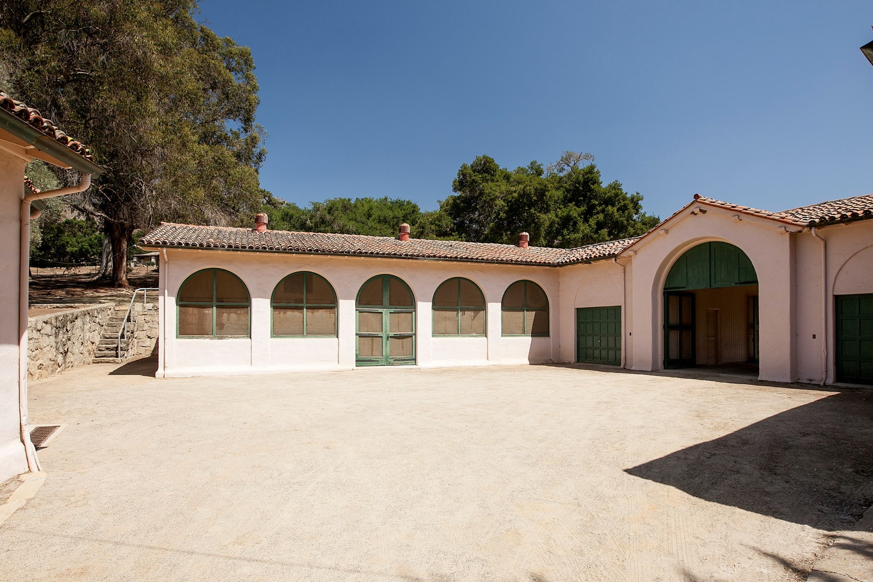 Additional photo for property listing at Rancho San Carlos 2500 East Valley Road Montecito, Califórnia 93108 Estados Unidos