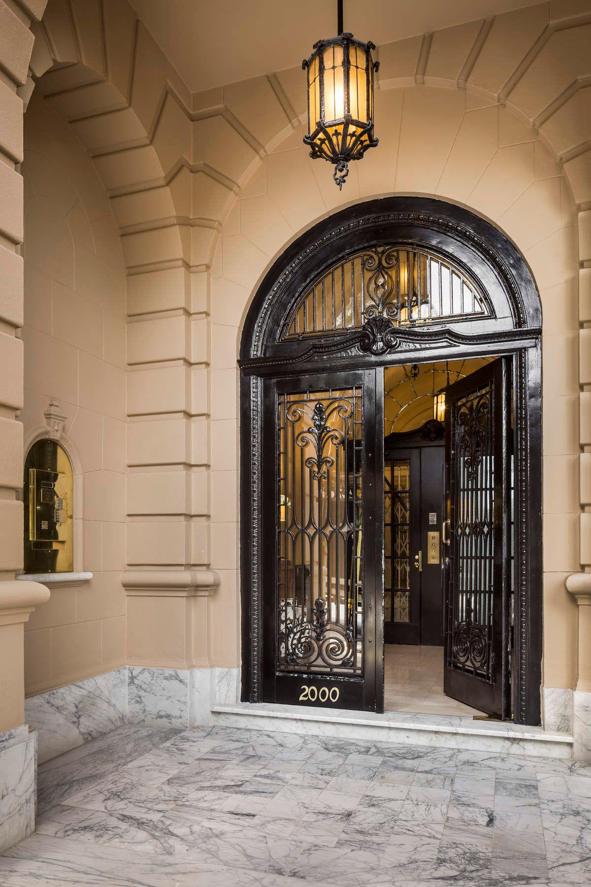 Co-op Properties pour l Vente à Full-Floor Masterpiece with Bay Views 2000 Washington St, # 5, San Francisco, Californie 94109 États-Unis