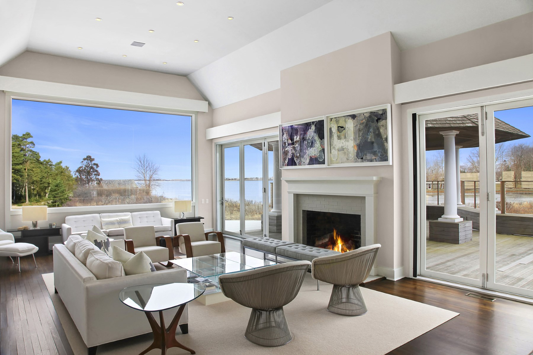 Additional photo for property listing at Exquisite Waterfront Modern in WaterMill  Water Mill, New York 11976 United States