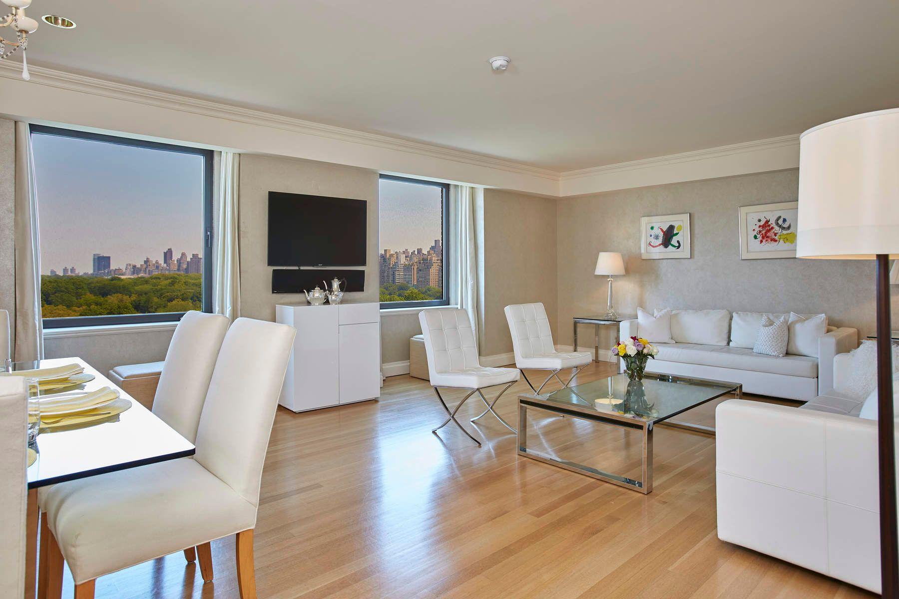 Кондоминиум для того Продажа на Gorgeous Home with Central Park Views 160 Central Park South Apt 1101/1162, Midtown West, New York, Нью-Йорк, 10019 Соединенные Штаты