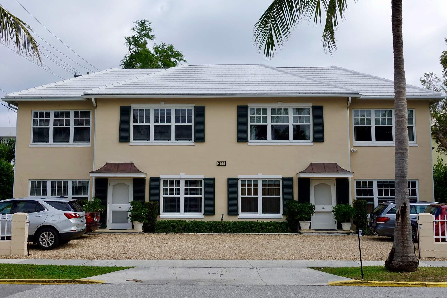 Condominium for Sale at Fully Renovated Condo 311 Cocoanut Row 201, Palm Beach, Florida, 33480 United States