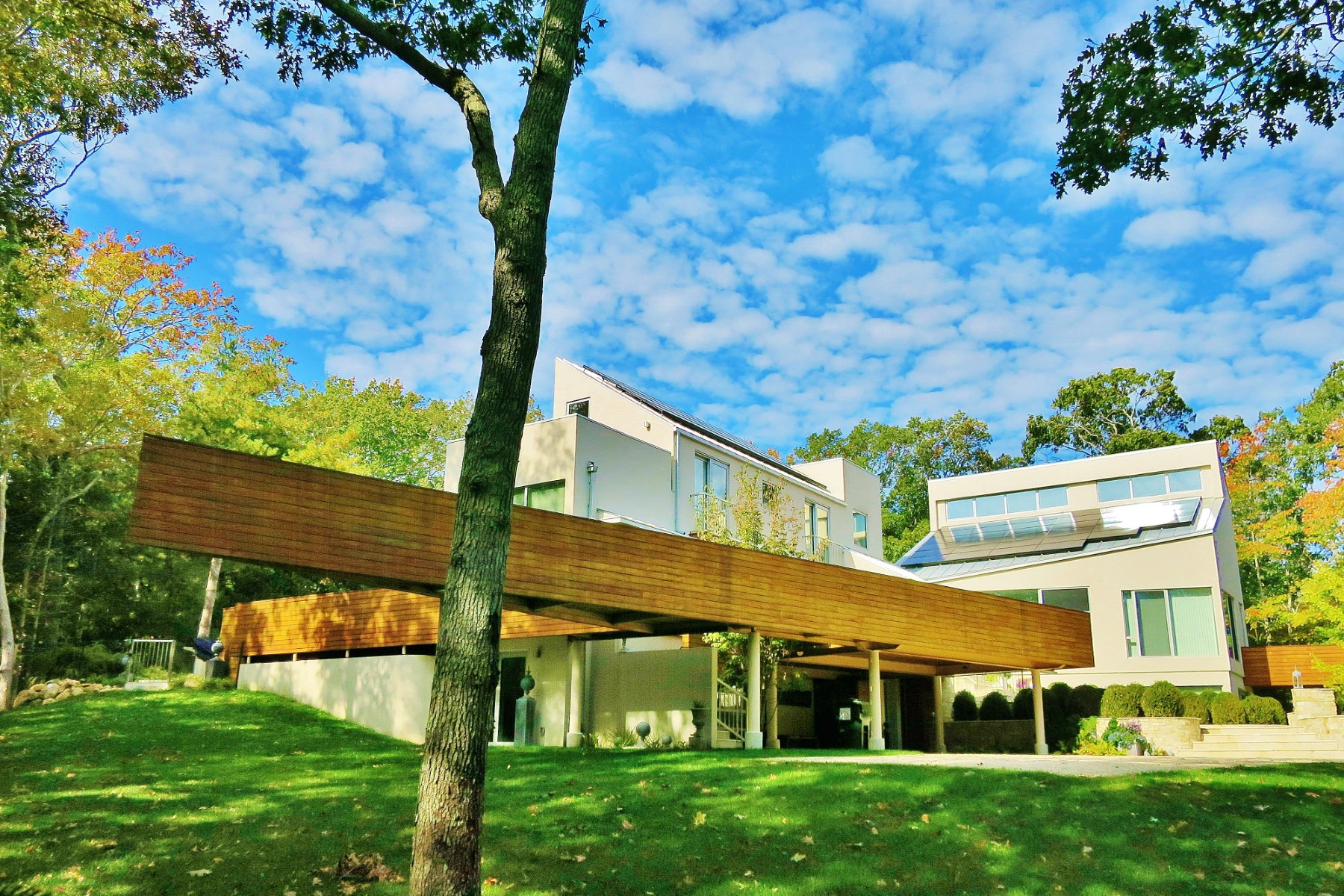 Casa Unifamiliar por un Alquiler en Sculptural Contemporary by the Bay 49 Landfall Road East Hampton, Nueva York, 11937 Estados Unidos