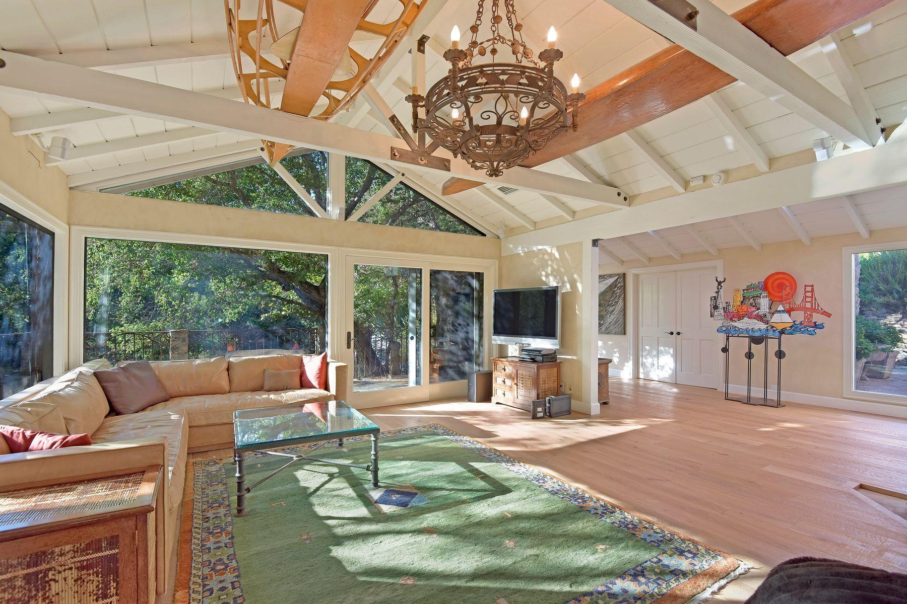 Single Family Homes por un Venta en Rustic Ramirez Canyon Estate In Malibu 6208 Delaplane Road Malibu, California 90265 Estados Unidos