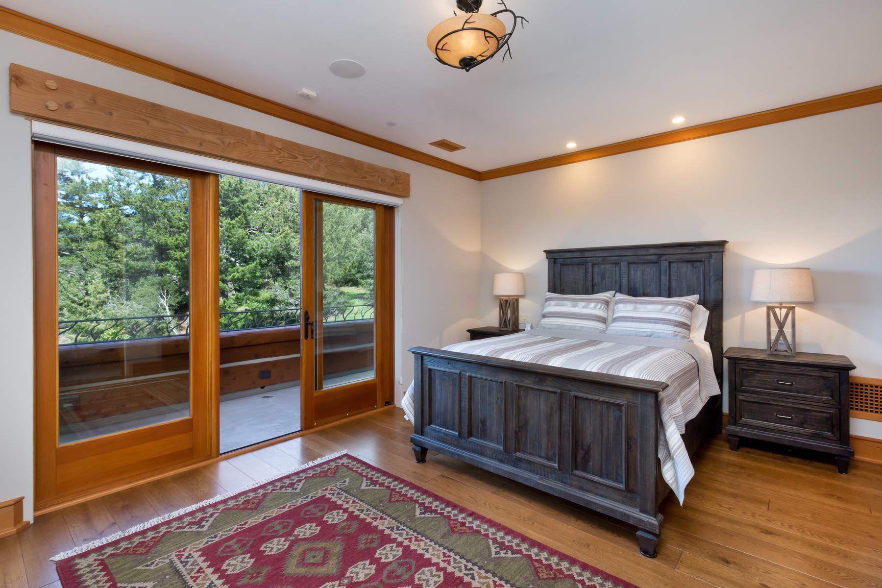 Additional photo for property listing at SF Bay Area Coastal Compound  Pescadero, California 94060 United States