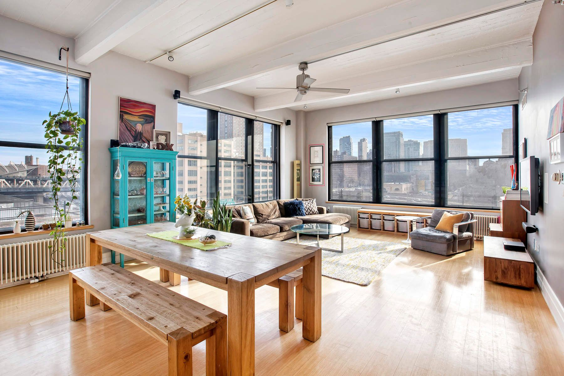 Condominio per Vendita alle ore Spacious Sun-Filled Corner Loft 70 Washington Street Apt 8D Brooklyn, New York 11201 Stati Uniti