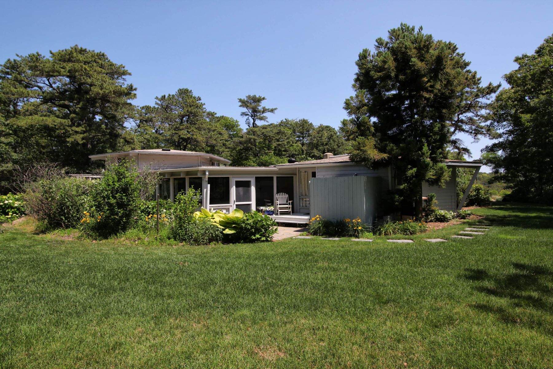 Single Family Homes for Active at Private Estate Setting 25 Vineyard Road Cotuit, Massachusetts 02635 United States